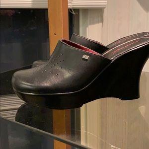 """Tommy Girl 4"""" Heel, 1"""" platform front, Black clogs"""